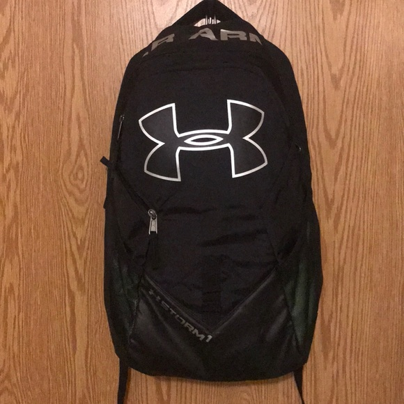 e04bb46aa943 Under Armour Storm Big Logo IV Backpack. M 5a9a7628b7f72b42d810204f